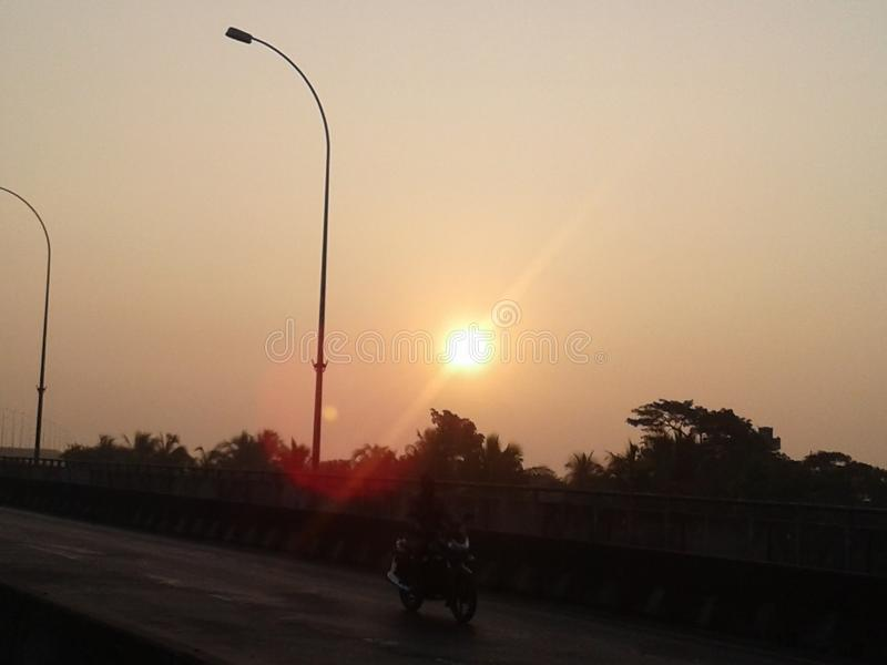 Bardzo wczesnego poranku słońce fotografia royalty free