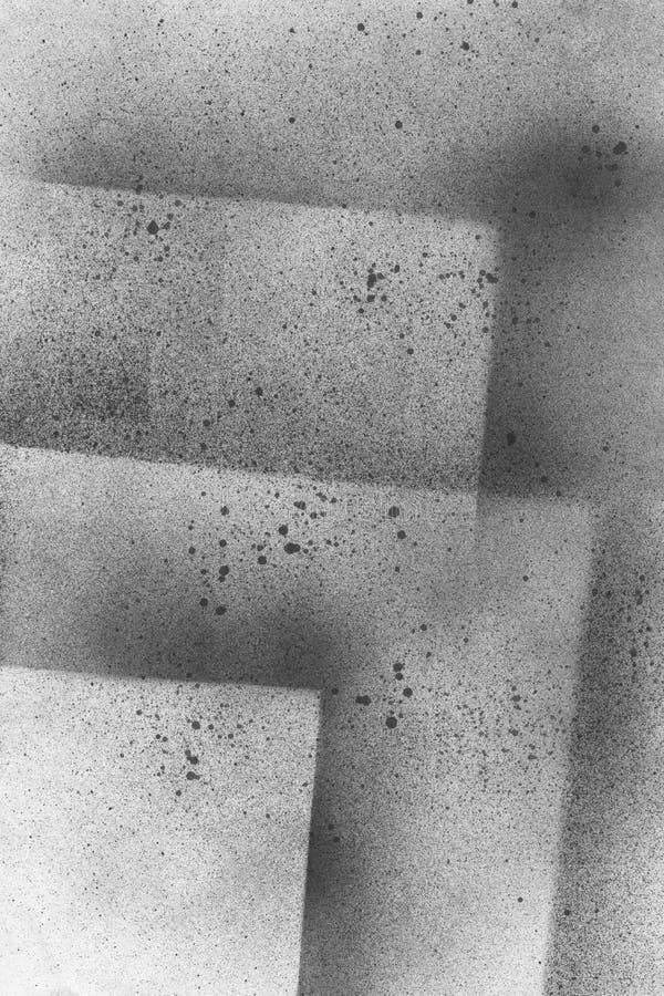 BARDZO wzrosta postanowienie Tapeta z airbrush skutkiem Czarna akrylowej farby uderzenia tekstura na białym papierze Rozrzucony b obrazy royalty free