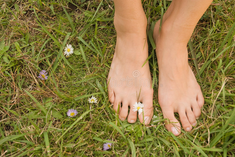 barefoot woman young στοκ φωτογραφία