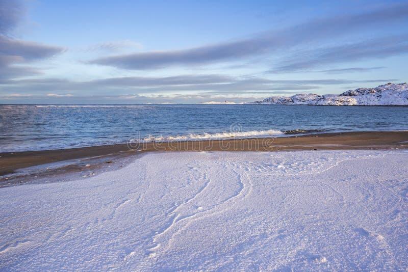 Barents Denny brzeg Kola p??wysepu zimy krajobraz zdjęcie royalty free