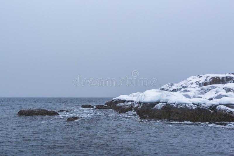Barents Denny brzeg Kola p??wysepu zimy krajobraz obrazy royalty free