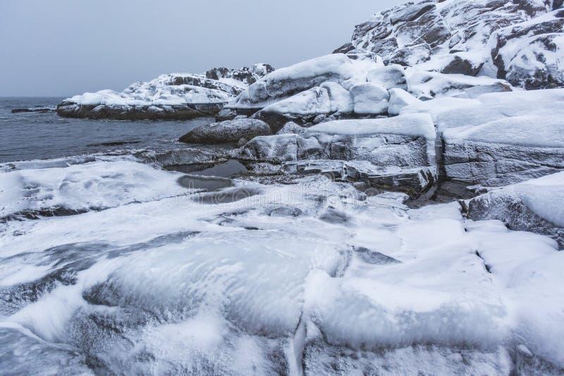 Barents Denny brzeg Kola p??wysepu zimy krajobraz zdjęcia royalty free