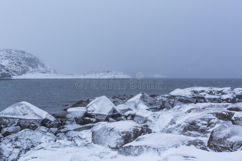 Barents morze Kola p??wysepu zimy krajobraz obrazy stock