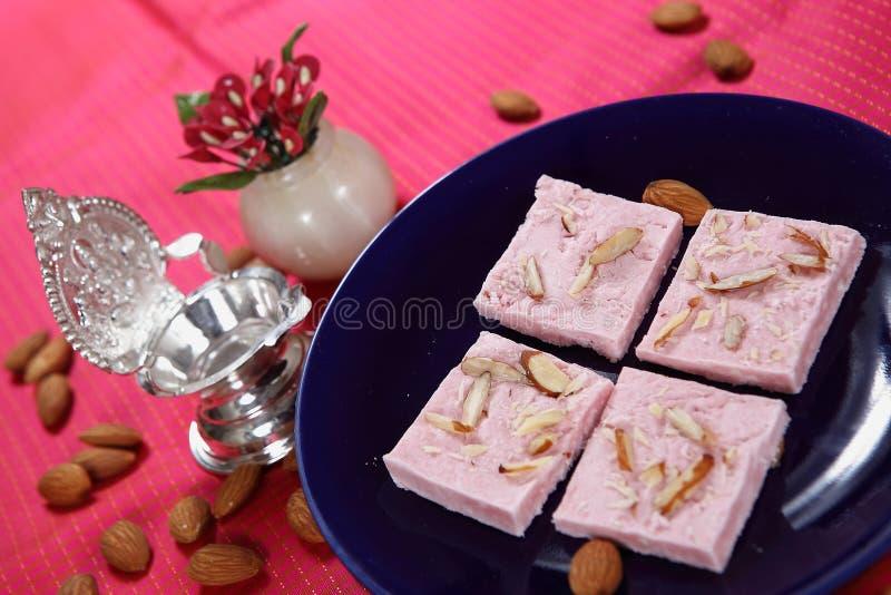 Barfi atta της Maida barfi/Safid/άσπρο επιδόρπιο αλευριού σίτου στοκ εικόνες