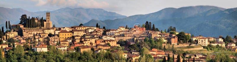 Barga lucca tuscany Italien royaltyfri fotografi