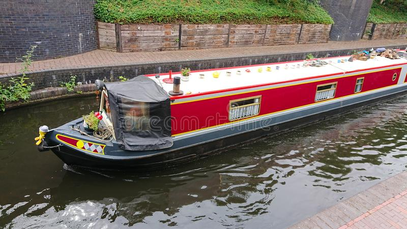 Barge внутри канал стоковое фото
