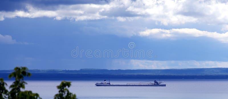 barge свое озеро Мичиган путешествием стоковое фото rf