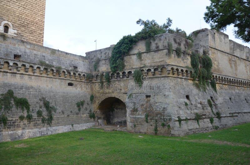 Bari Castle - gammal stadarkitektur arkivbilder