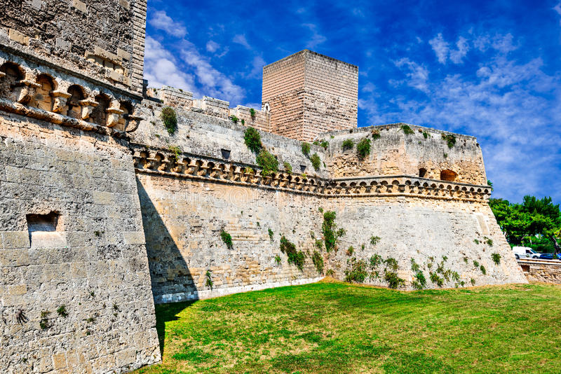 Bari, Puglia, Itália - Castello Svevo fotos de stock royalty free