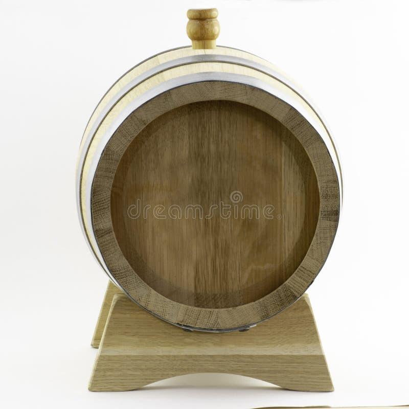 Baril en bois sur un fond blanc photo stock