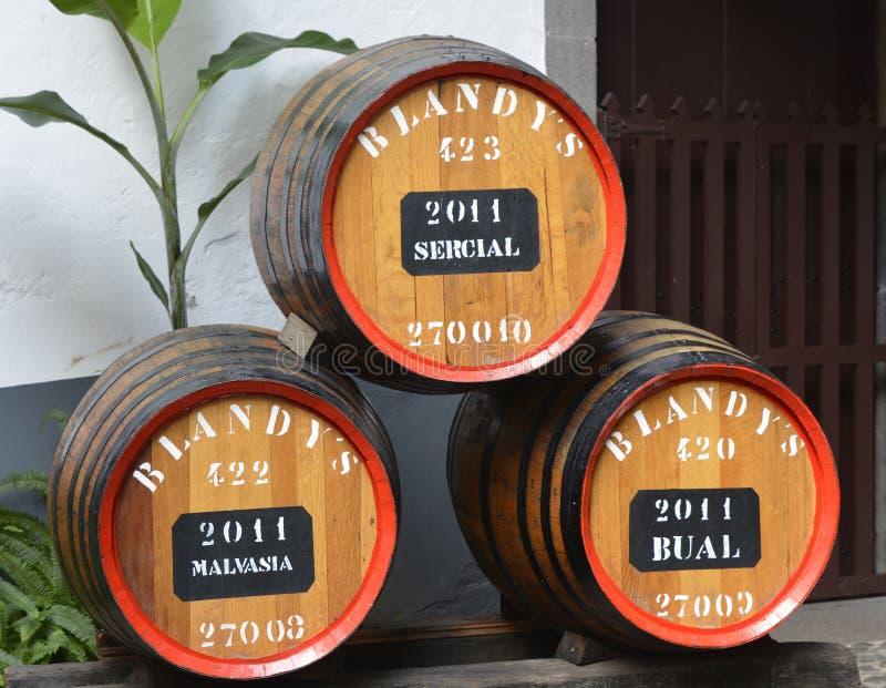 Barils de vin à Funchal, Madère, Portugal image stock