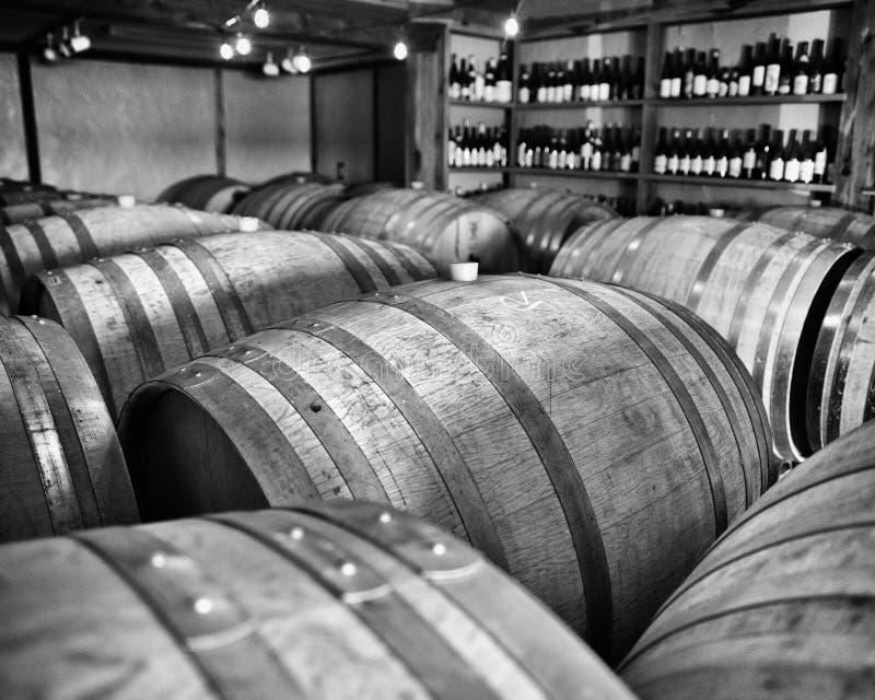 Barils et bouteilles photographie stock libre de droits
