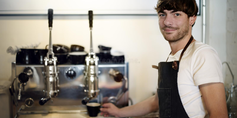 Barista-Café, das Kaffeevorbereitungsservicekonzept macht stockbilder