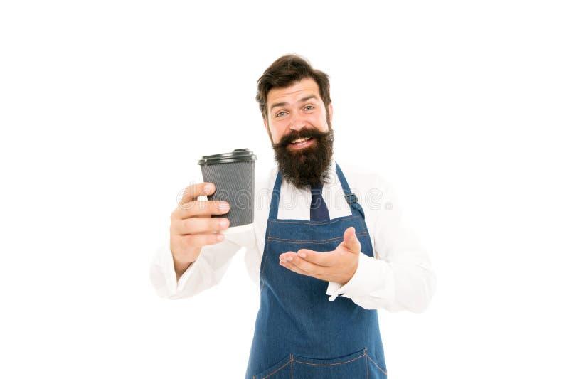 Barista voorbereide koffie voor u Het genieten van van verse koffie Rijpe die barista in schort op wit wordt geïsoleerd Robusta a stock foto