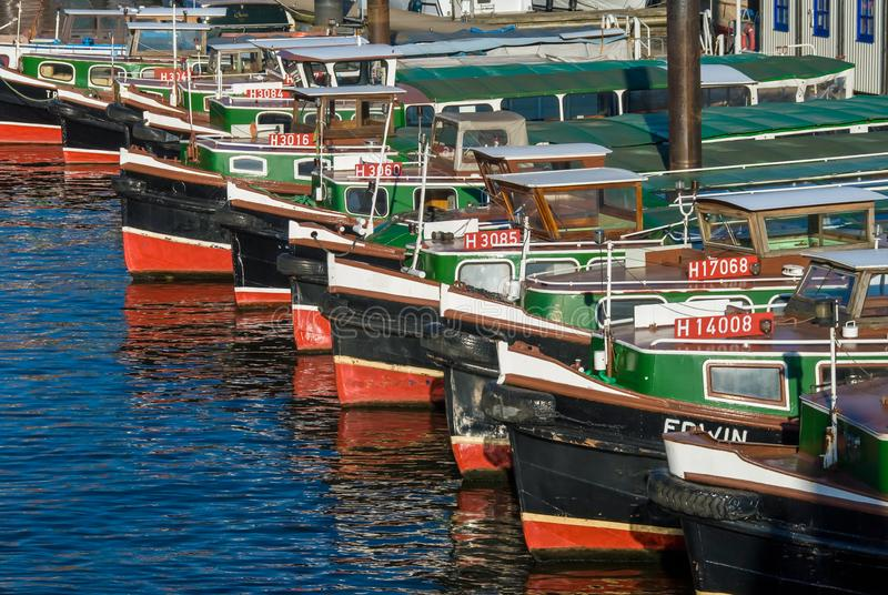 Barkassen驳船汉堡包港口 免版税图库摄影