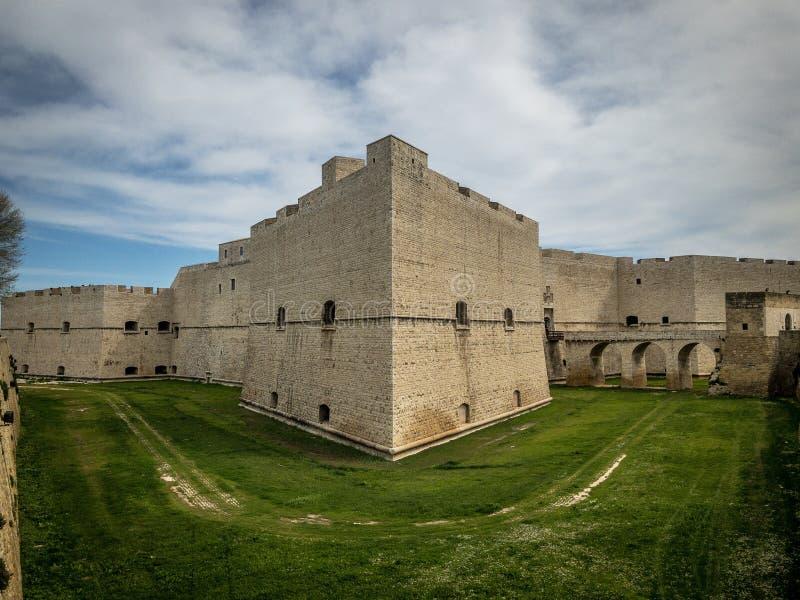 Barletta, крепость замка Италии стоковое изображение rf
