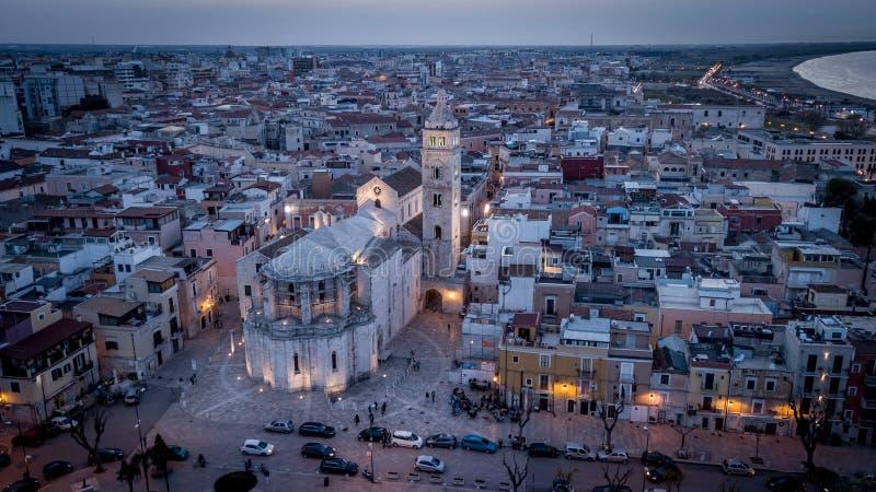 Barletta, церковь Италии сверху стоковое фото rf