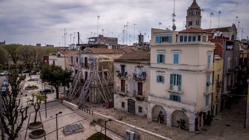 Barletta, antena tradicional da rua de Itália foto de stock royalty free