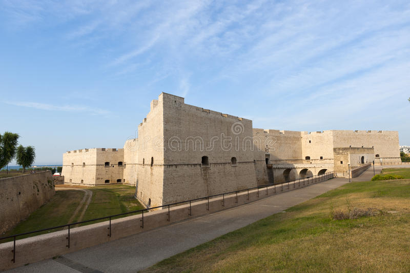 Barletta (Apulia) - castelo medieval imagens de stock royalty free