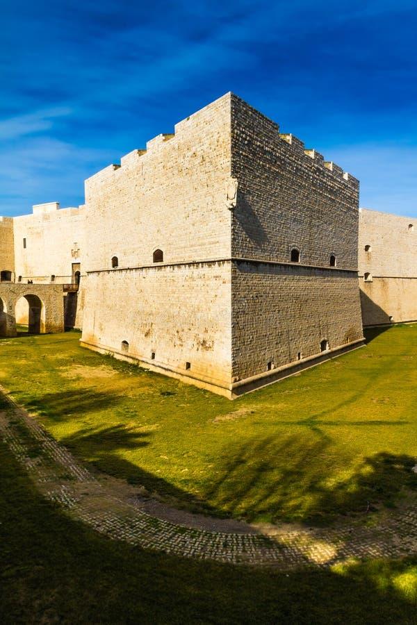 Barletta slott royaltyfri foto