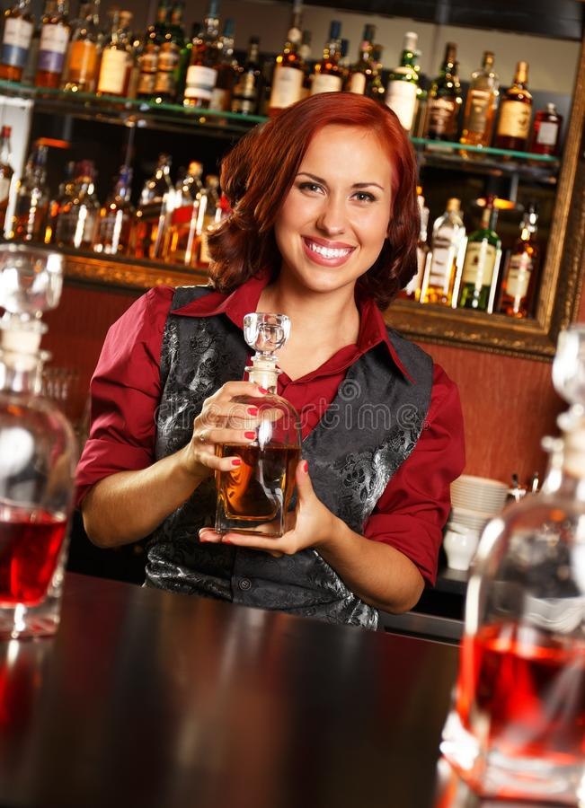 Barmaid rousse photos stock