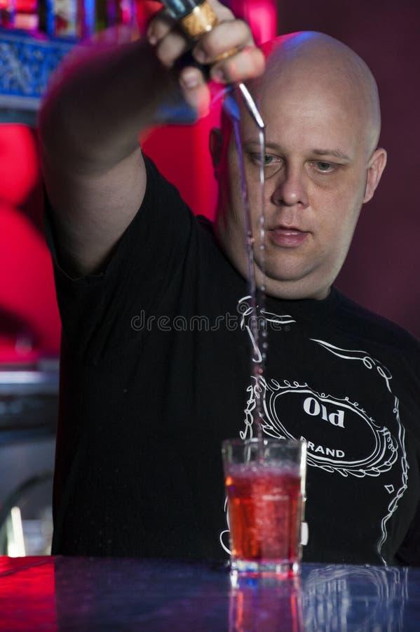 Barman op het werk royalty-vrije stock foto's