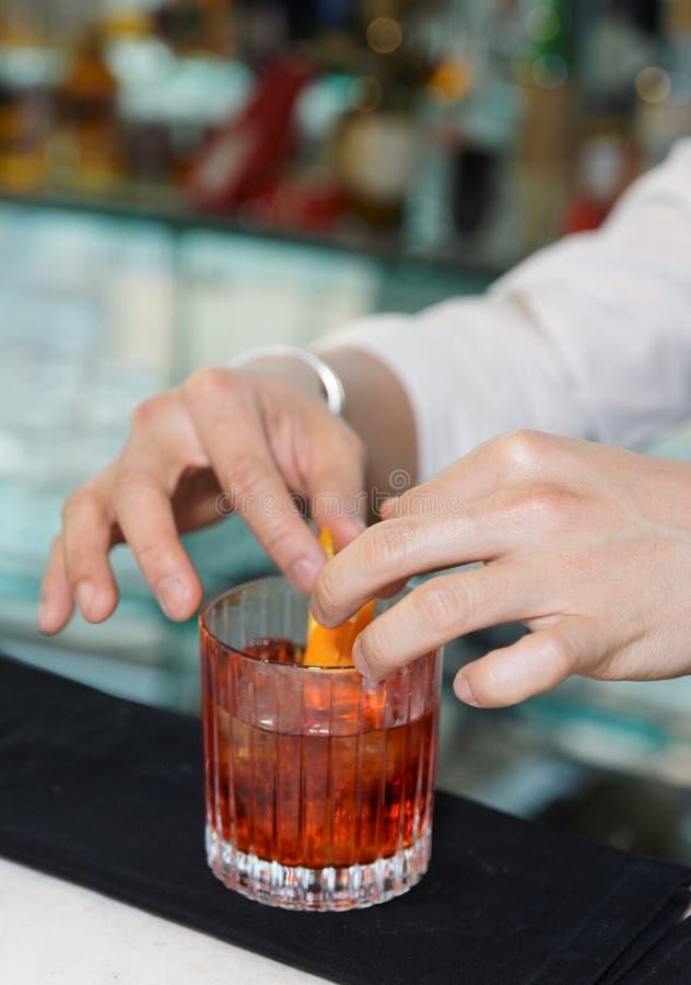 barman target1540_0_ napoju cytryny zapał zdjęcia royalty free