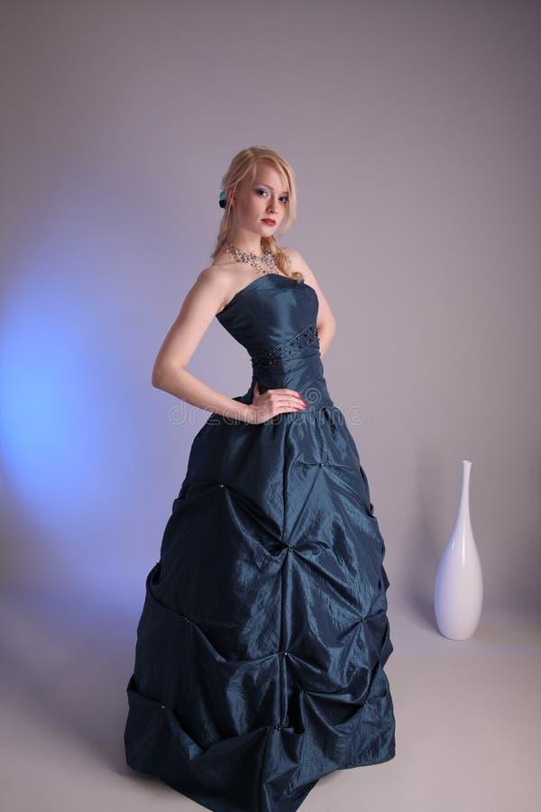 barn för klänningstudentbalkvinna royaltyfria bilder