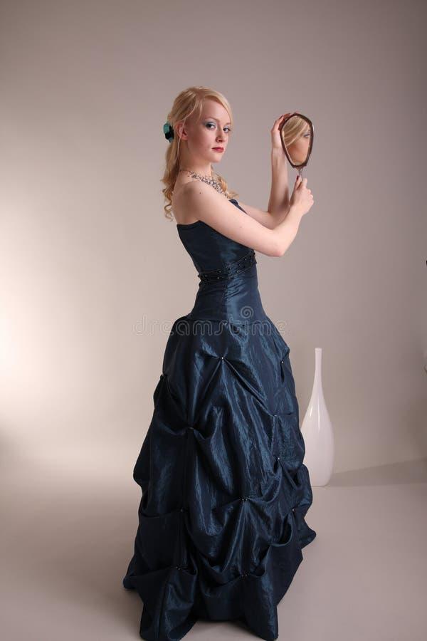 barn för klänningstudentbalkvinna royaltyfri fotografi