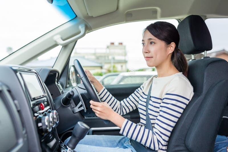 barn för kvinna för bilkörning arkivbilder