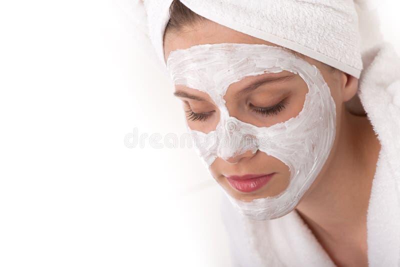 barn för kvinna för maskering för huvuddelomsorg ansikts- royaltyfri bild