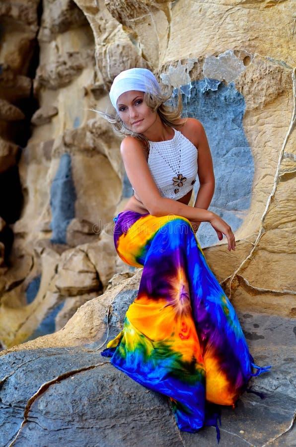 barn för strandsommarkvinna royaltyfri fotografi
