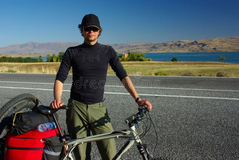 barn för turk för tur för östlig man för cykel sportigt arkivbilder