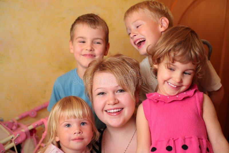 barn fyra flickabarn arkivbilder
