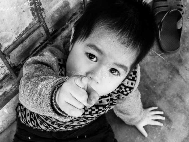 Barn i Vietnam arkivfoto