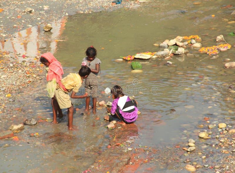 Barn Labour i Indien. arkivfoto