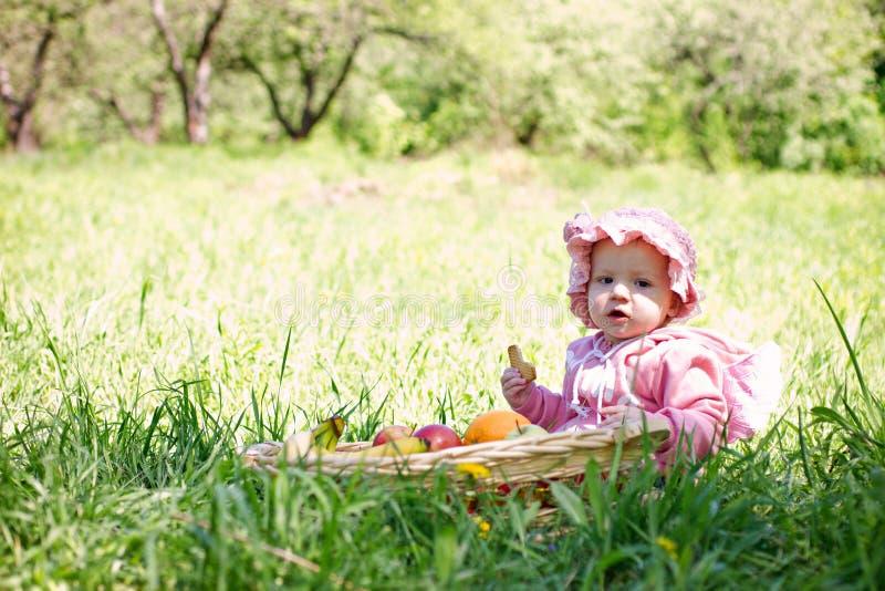 barn little park royaltyfri fotografi
