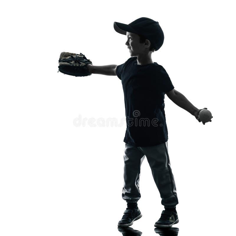 Barn som spelar den isolerade konturn för softballspelare royaltyfri bild