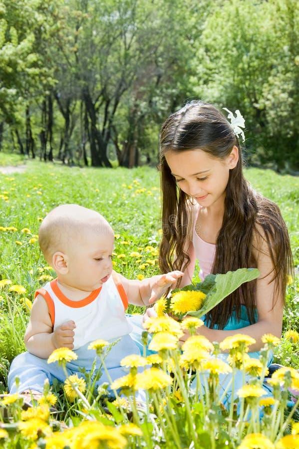 barn tre fotografering för bildbyråer