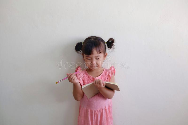 Barnaktivitet arkivfoto