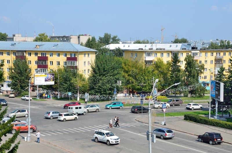 Barnaul, Rusland, 17 Augustus, 2016 De kruising van de Socialistische de Weg en de straatjeugd Molodyozhnaya van Sotsialistichesk royalty-vrije stock foto's