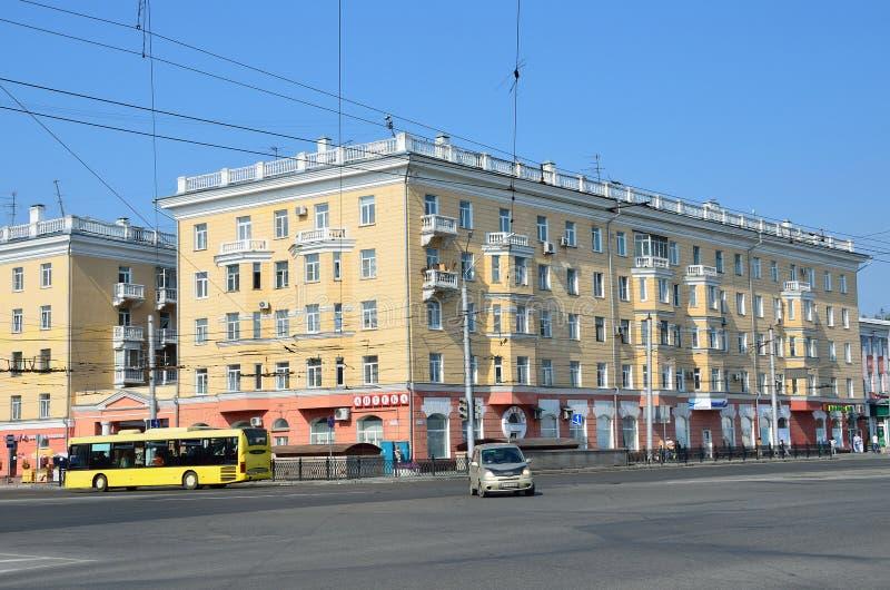 Barnaul, Russie, août, 17, 2016 La Chambre est sur l'intersection de l'avenue de Lénine et de l'avenue de constructeurs dans Barn image stock