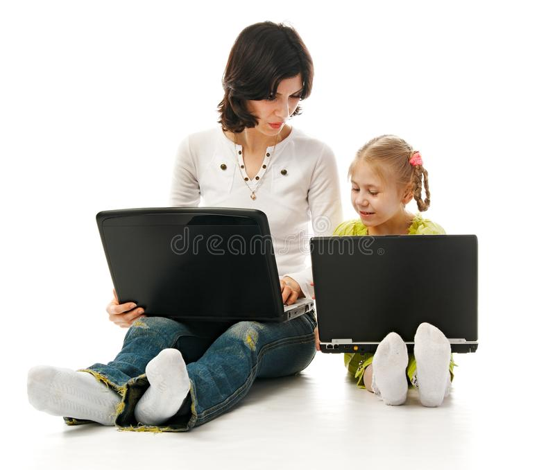 barnbärbar datormor arkivbilder