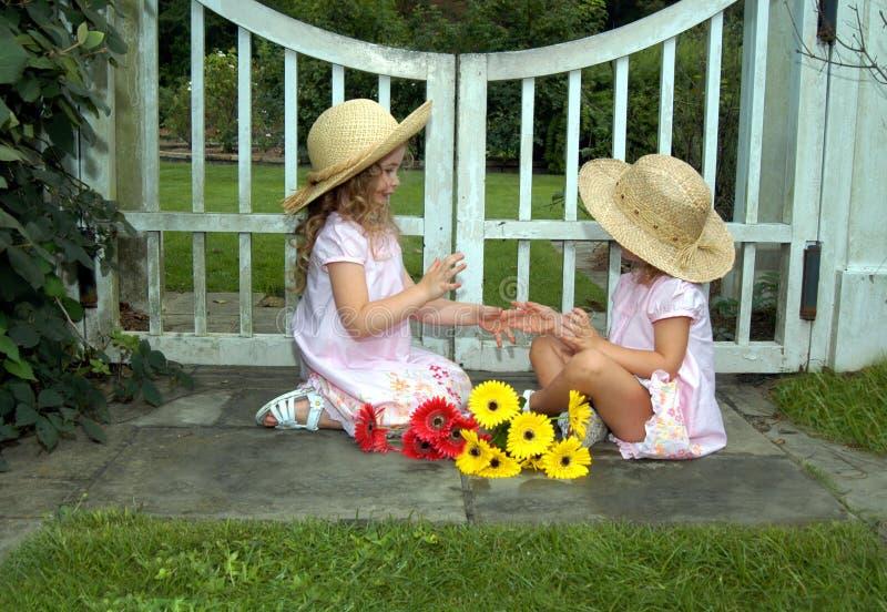 barndomlekar royaltyfri fotografi