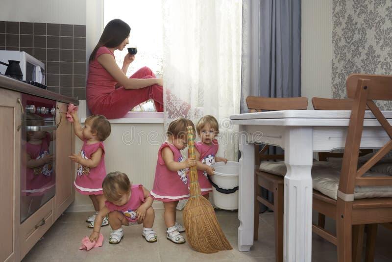Barndomsvårigheter royaltyfri fotografi