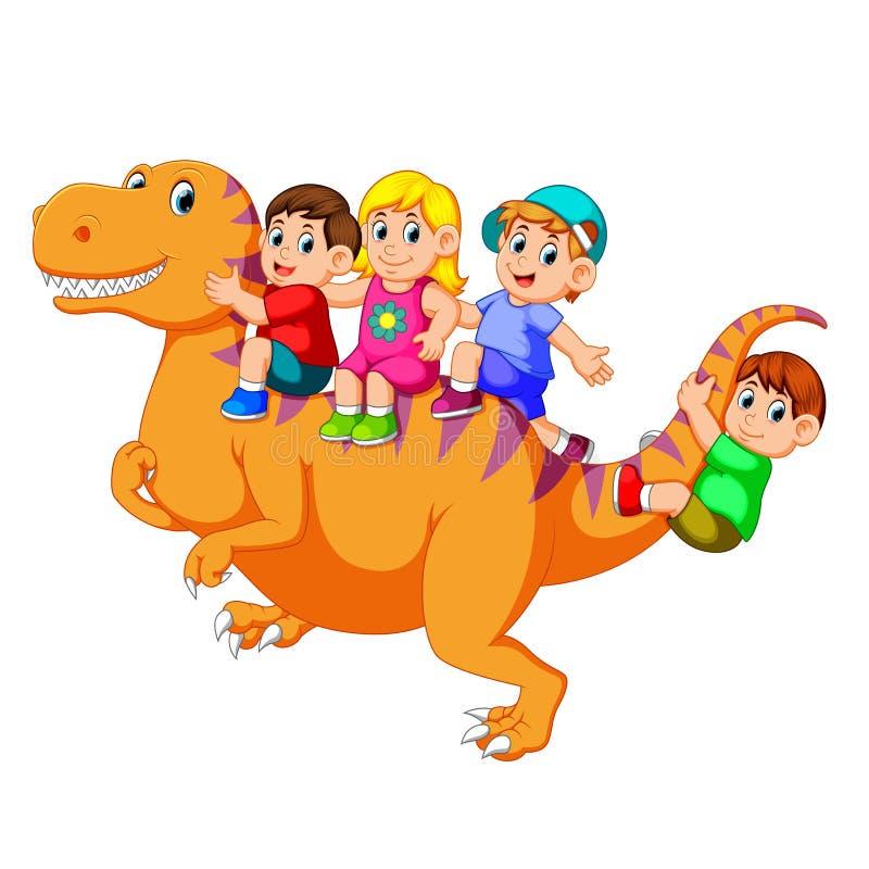 Barnen som spelar och sitter på den stora kroppen för tyrannosarieRex ` s och några av dem som rymmer hans svans royaltyfri illustrationer