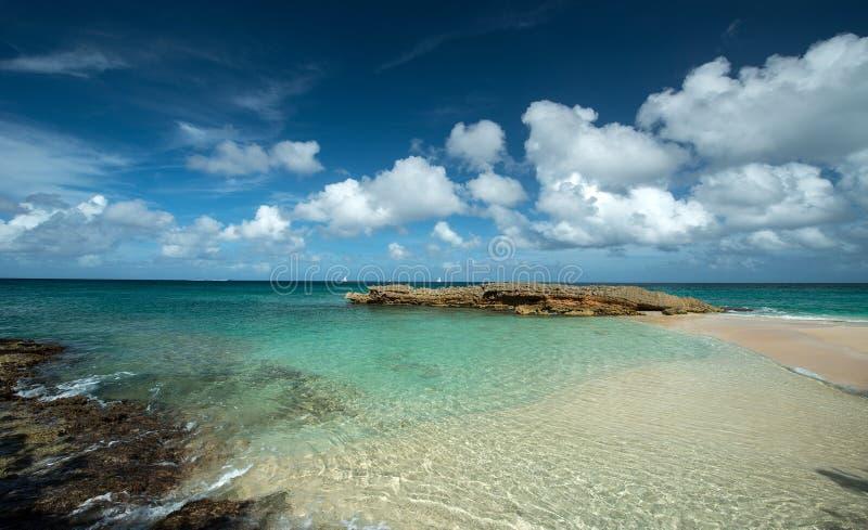 Barnes-Bucht, Anguilla-Insel lizenzfreie stockfotos