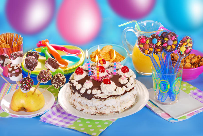 Barnfödelsedagparti arkivfoton