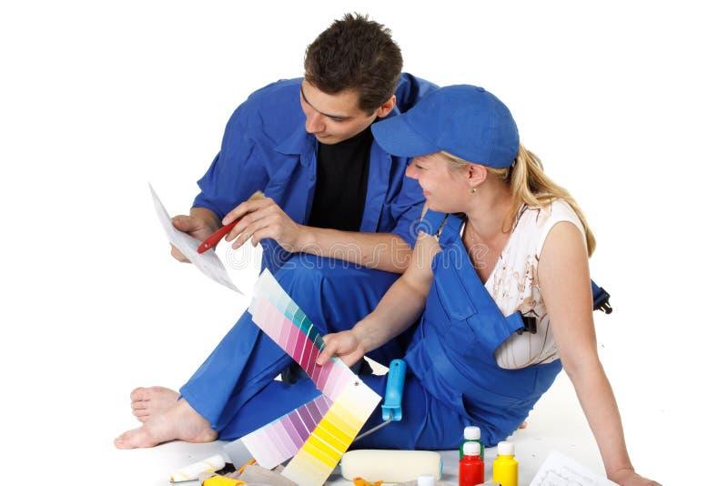 barnfamiljen planerar barn för reparationslokal s fotografering för bildbyråer