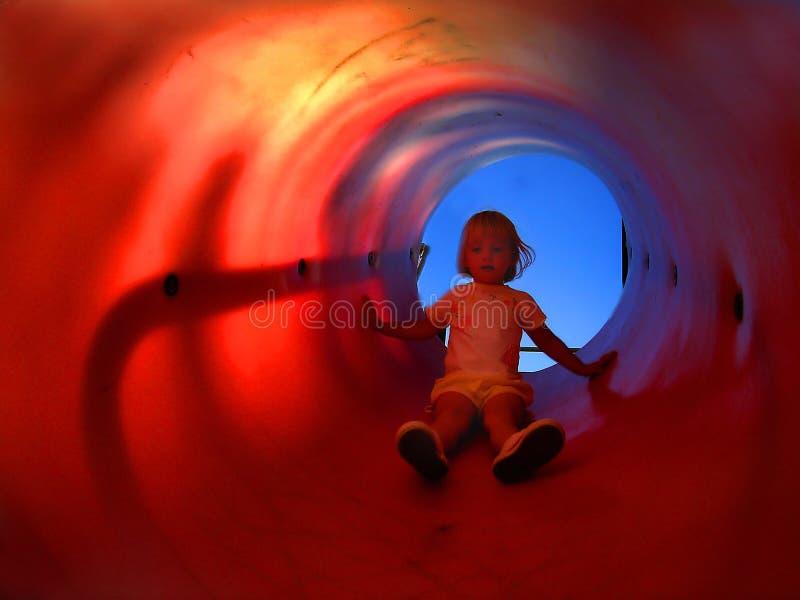 barnglidbanarör arkivfoto
